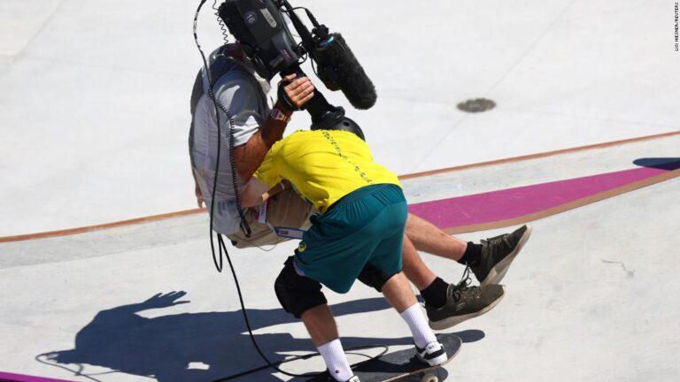 Australian knocks over cameraman during skateboard run